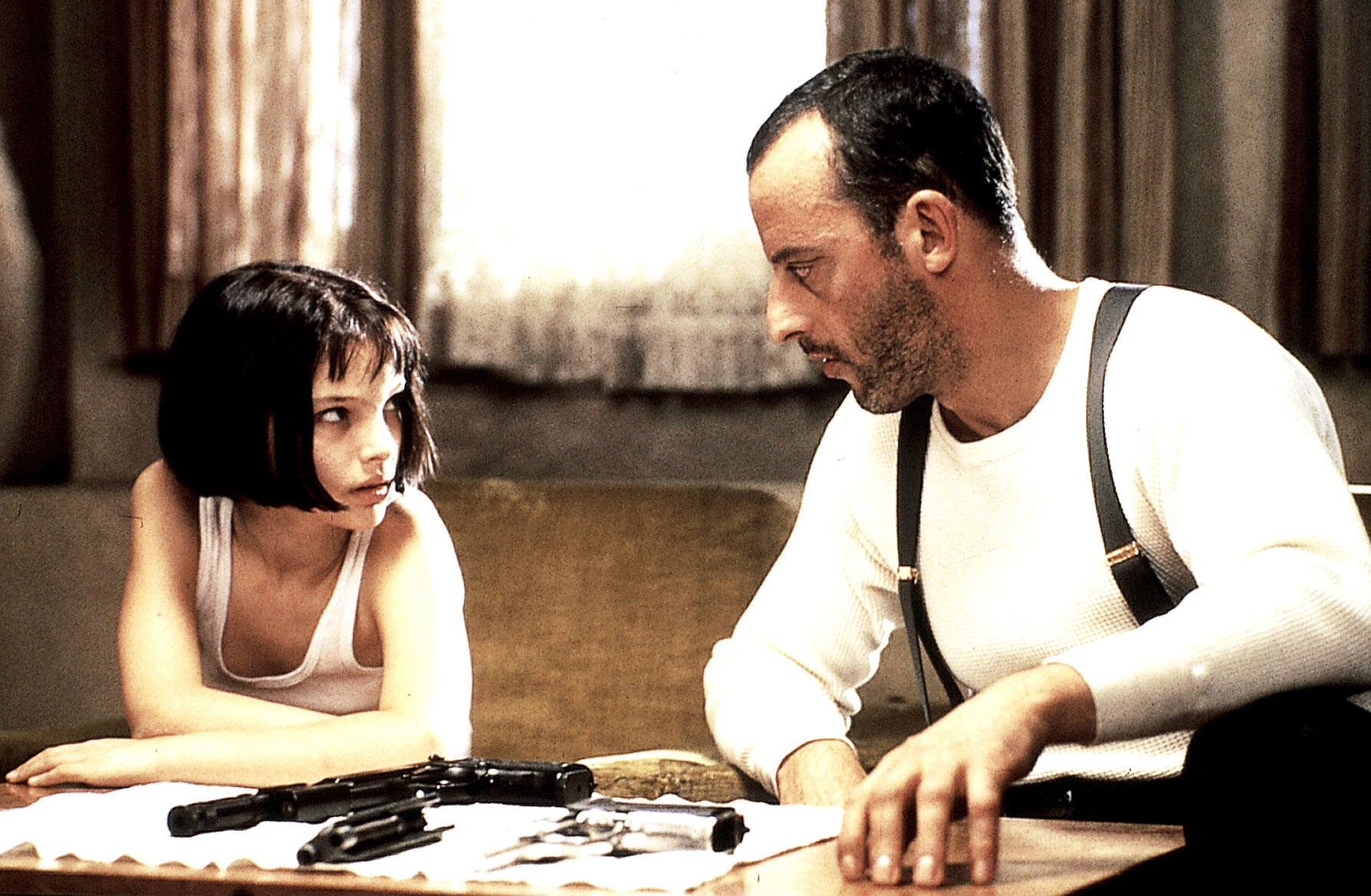 https://phi-centre.com/wp-content/uploads/2016/05/leon-stills-leon-leon-the-professional-24525341-1788-1169-1.jpg